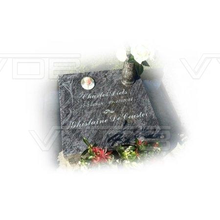 Steenhouwerij en grafzerken VVDB Urnemonumenten Urneveld 211021