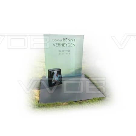 Steenhouwerij en grafzerken VVDB Urnemonumenten Urneveld 214014